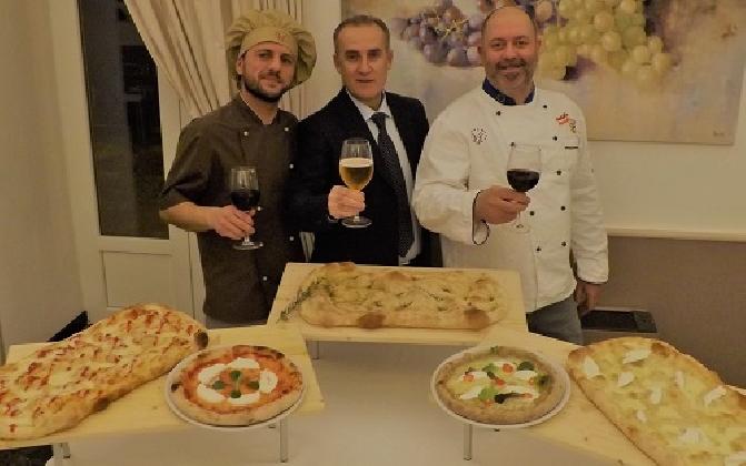 http://www.ragusanews.com//immagini_articoli/16-01-2017/best-sicily-migliore-pizza-ragusana-420.jpg