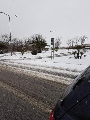 http://www.ragusanews.com//immagini_articoli/16-01-2017/neve-chiaramonte-sugli-iblei-420.jpg