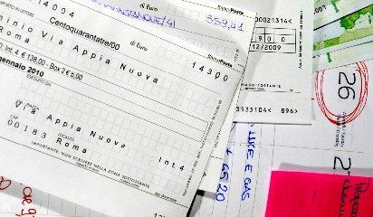 https://www.ragusanews.com//immagini_articoli/16-01-2019/energia-sicilia-triste-primato-costi-extra-bolletta-240.jpg