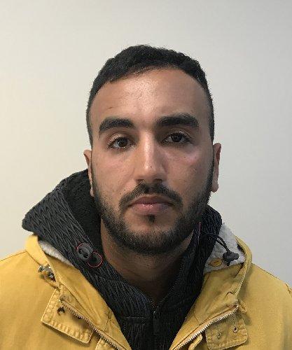 https://www.ragusanews.com//immagini_articoli/16-01-2019/modica-commise-rapina-estorsione-arrestato-marocchino-500.jpg