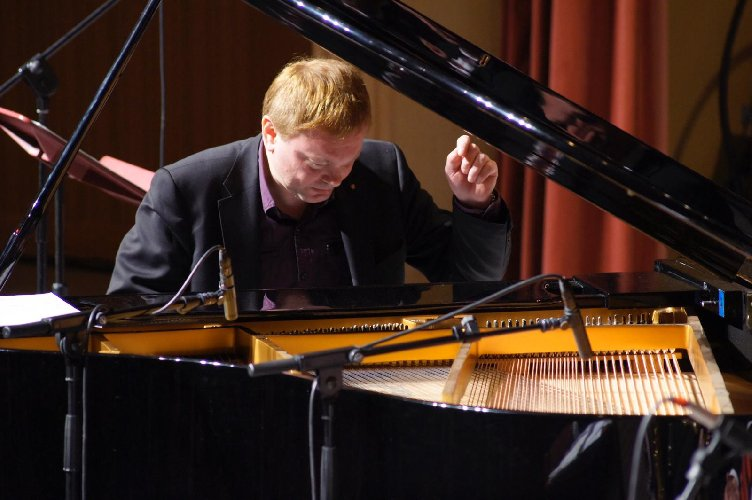 https://www.ragusanews.com//immagini_articoli/16-01-2019/ragusa-concerto-karl-eichinger-500.jpg