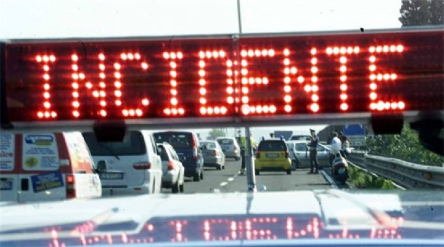 https://www.ragusanews.com//immagini_articoli/16-01-2020/incidente-stradale-siracusacatania-feriti-bimbo-e-ragazzina-500.jpg