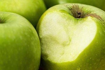 https://www.ragusanews.com//immagini_articoli/16-01-2020/nutrizione-perdere-peso-con-la-dieta-frutta-240.jpg