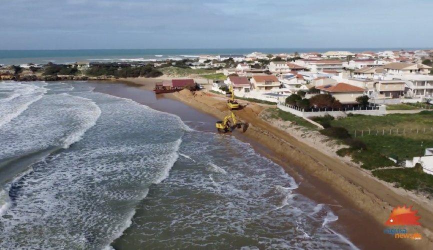 https://www.ragusanews.com//immagini_articoli/16-01-2021/iniziati-i-lavori-di-tutela-della-fascia-costiera-di-punta-braccetto-video-500.jpg