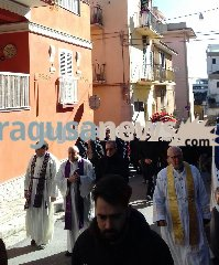 https://www.ragusanews.com//immagini_articoli/16-02-2018/celebrati-funerali-papa-deborah-iurato-240.jpg