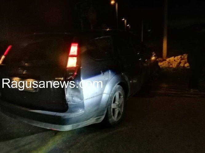 https://www.ragusanews.com//immagini_articoli/16-02-2020/sampieri-auto-taglia-la-strada-provoca-incidente-e-fugge-500.jpg