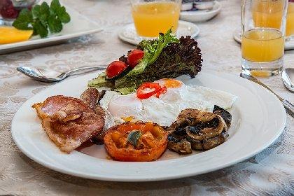https://www.ragusanews.com//immagini_articoli/16-02-2021/dieta-iperproteica-per-dimagrire-velocemente-menu-di-esempio-280.jpg