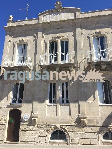 http://www.ragusanews.com//immagini_articoli/16-03-2017/apre-ragusa-primo-ostello-dorme-estranei-500.jpg