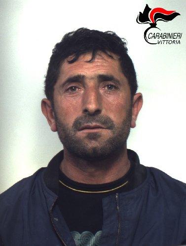https://www.ragusanews.com//immagini_articoli/16-03-2019/vittoria-arrestato-45enne-albanese-sorpreso-cocaina-soldi-500.jpg