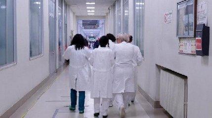 https://www.ragusanews.com//immagini_articoli/16-03-2020/selezionati-350-medici-in-sicilia-assunti-600-infermieri-240.jpg