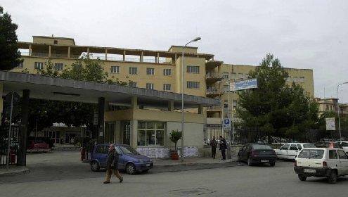 https://www.ragusanews.com//immagini_articoli/16-03-2021/vaccino-morte-cerebrale-per-la-insegnante-37enne-di-gela-280.jpg