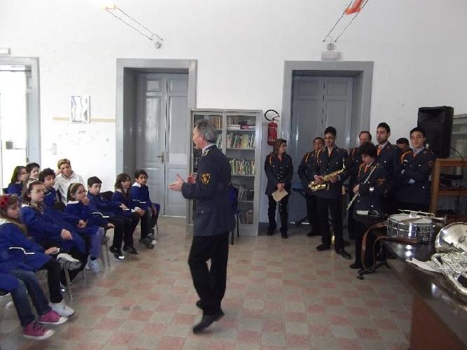https://www.ragusanews.com//immagini_articoli/16-04-2011/la-musica-sbarca-a-scuola-500.jpg