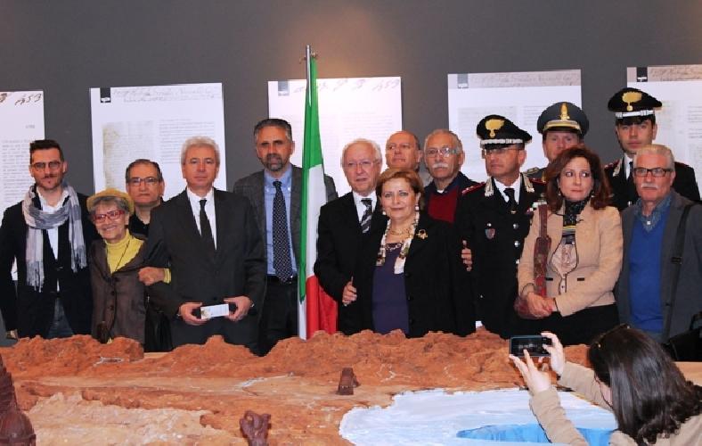 http://www.ragusanews.com//immagini_articoli/16-04-2014/inaugurato-il-museo-del-cioccolato-di-modica-500.jpg