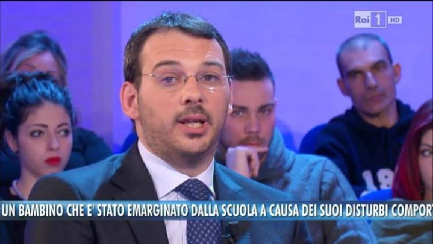 https://www.ragusanews.com//immagini_articoli/16-04-2014/incappucciati-e-vigliacchi-menano-il-giornalista-paolo-borrometi-500.jpg