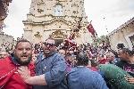 http://www.ragusanews.com//immagini_articoli/16-04-2017/gioia-baciato-pioggia-100.jpg