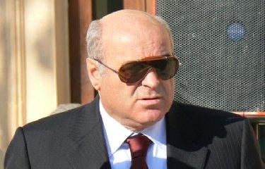 https://www.ragusanews.com//immagini_articoli/16-04-2018/arrestato-deputato-regionale-pippo-gennuso-240.jpg