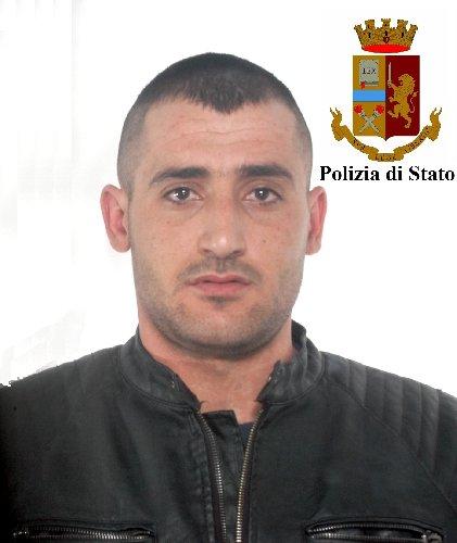 https://www.ragusanews.com//immagini_articoli/16-04-2018/arresto-uomo-rapinato-modica-alta-500.jpg