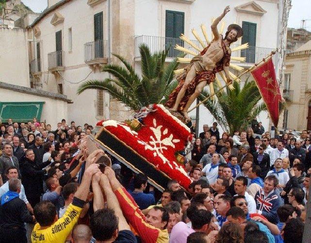 https://www.ragusanews.com//immagini_articoli/16-04-2019/pasqua-col-sole-il-gioia-uscira-500.jpg