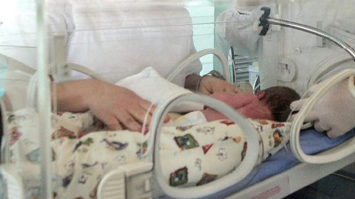 https://www.ragusanews.com//immagini_articoli/16-04-2021/bambino-abbandonato-a-ragusa-la-mamma-naturale-vuole-adottarlo-280.jpg