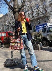 https://www.ragusanews.com//immagini_articoli/16-04-2021/cristina-parodi-e-la-moda-del-momento-il-boom-della-borsa-all-uncinetto-280.jpg