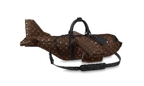 https://www.ragusanews.com//immagini_articoli/16-04-2021/louis-vuitton-lancia-la-airplane-bag-per-39-000-dollari-e-il-web-impazzisce-280.jpg
