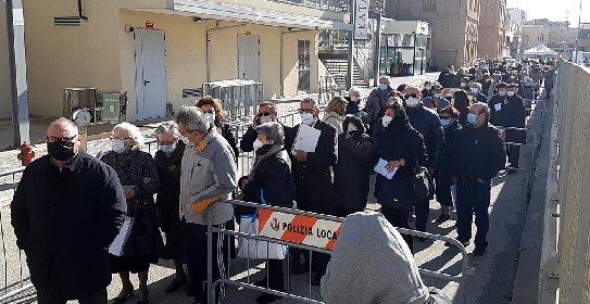 https://www.ragusanews.com//immagini_articoli/16-04-2021/sicilia-open-days-via-ai-vaccini-senza-appuntamento-per-tutti-gli-over-60-280.jpg