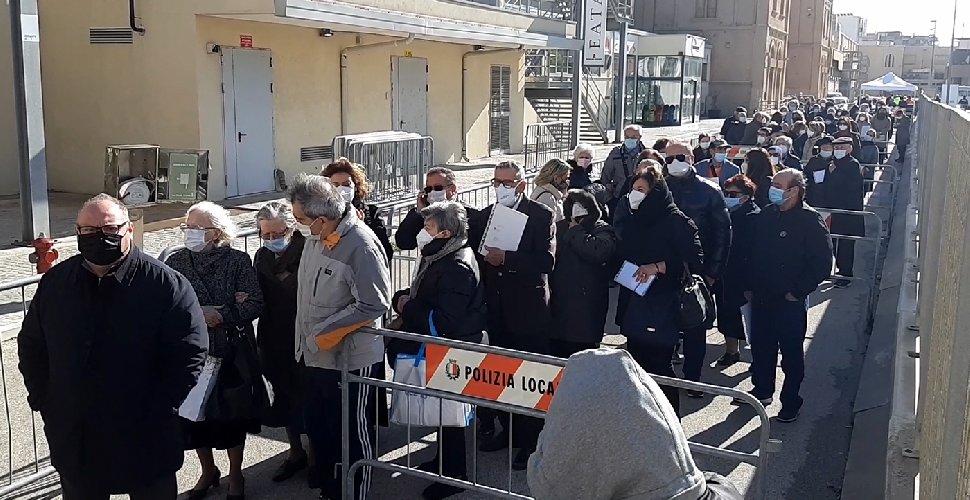 https://www.ragusanews.com//immagini_articoli/16-04-2021/sicilia-open-days-via-ai-vaccini-senza-appuntamento-per-tutti-gli-over-60-500.jpg