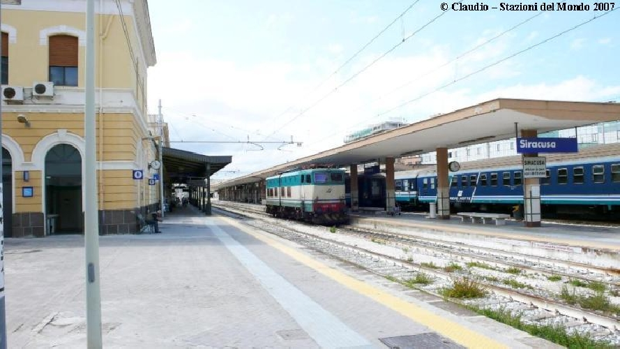 https://www.ragusanews.com//immagini_articoli/16-05-2017/treni-regione-siracusamodica-solo-manutenzione-500.jpg