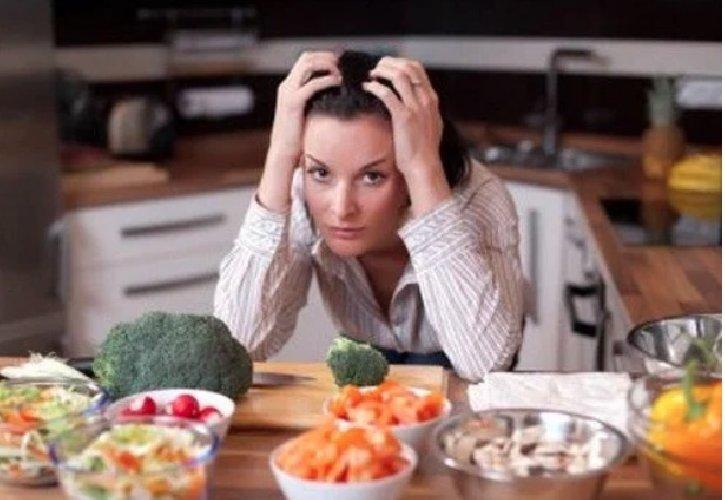 https://www.ragusanews.com//immagini_articoli/16-05-2019/la-dieta-giusta-per-combattere-l-ansia-500.jpg