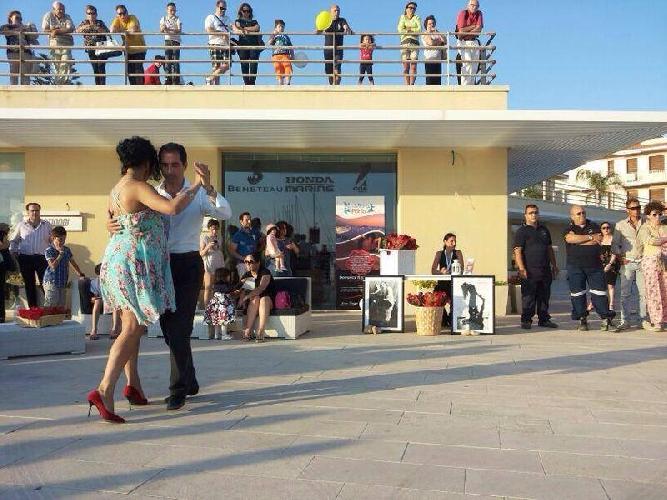 https://www.ragusanews.com//immagini_articoli/16-06-2014/la-milonga-al-porto-500.jpg
