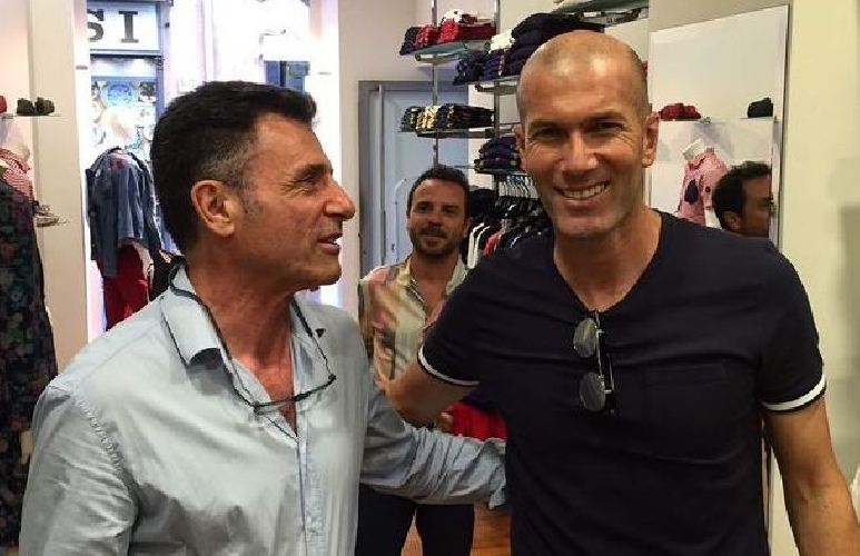 Zidane in vacanza a Taormina, i tifosi della Juventus lo osannano