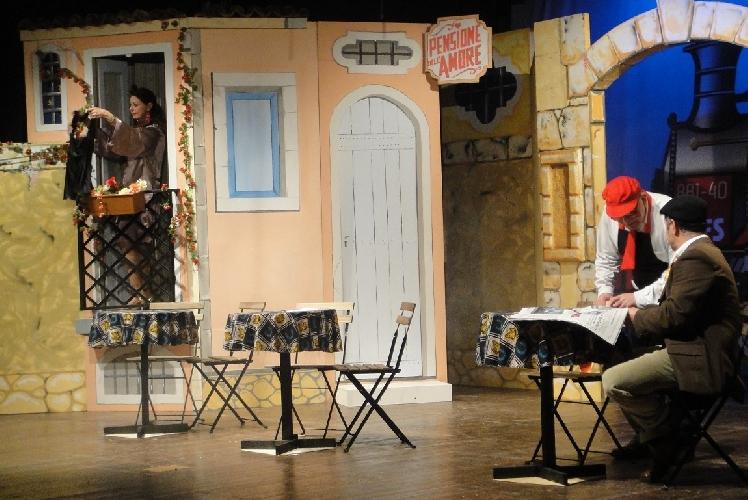 https://www.ragusanews.com//immagini_articoli/16-07-2014/al-circolo-velico-kaucana-il-festival-del-teatro-comico-500.jpg