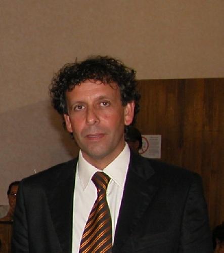 http://www.ragusanews.com//immagini_articoli/16-07-2014/si-e-dimesso-il-consigliere-bartolo-ficili-500.jpg