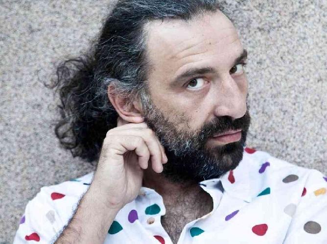 https://www.ragusanews.com//immagini_articoli/16-07-2014/stefano-bollani-in-concerto-a-noto-500.jpg