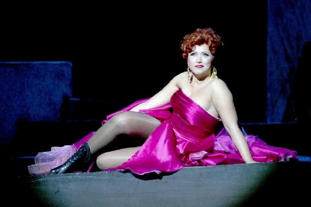 http://www.ragusanews.com//immagini_articoli/16-07-2016/la-traviata-al-teatro-greco-di-taormina-420.jpg