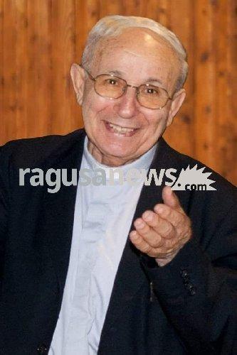 https://www.ragusanews.com//immagini_articoli/16-07-2018/pozzallo-piange-pietro-agosta-500.jpg
