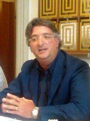 https://www.ragusanews.com//immagini_articoli/16-07-2018/ragusa-fabrizio-ilardo-presidente-consiglio-comunale-240.jpg
