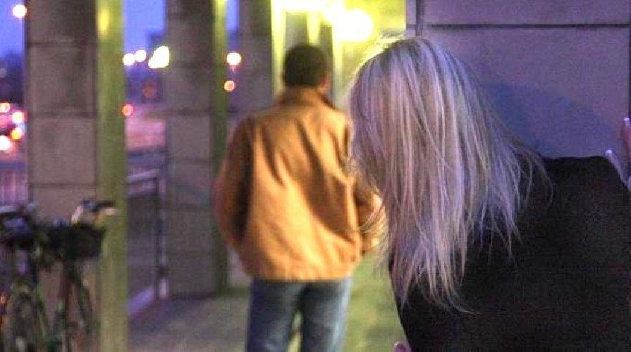 https://www.ragusanews.com//immagini_articoli/16-07-2019/quando-lo-stalker-e-una-donna-ragusana-perseguita-avvocato-bolognese-500.jpg
