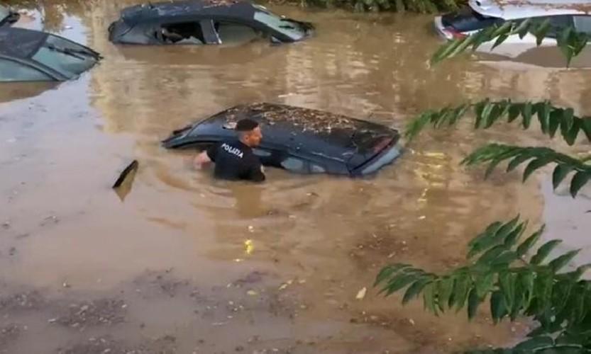 https://www.ragusanews.com//immagini_articoli/16-07-2020/alluvione-non-ci-sono-i-due-morti-di-palermo-500.jpg