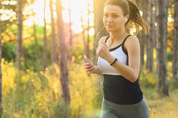 https://www.ragusanews.com//immagini_articoli/16-07-2020/combattere-la-cellulite-a-tavola-i-cibi-che-ci-aiutano-240.jpg