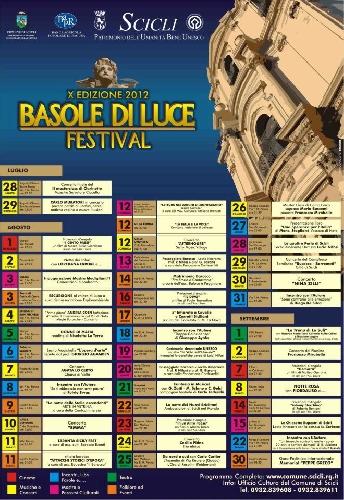 https://www.ragusanews.com//immagini_articoli/16-08-2014/e-la-chiamano-estatesenza-basole-di-luce-500.jpg