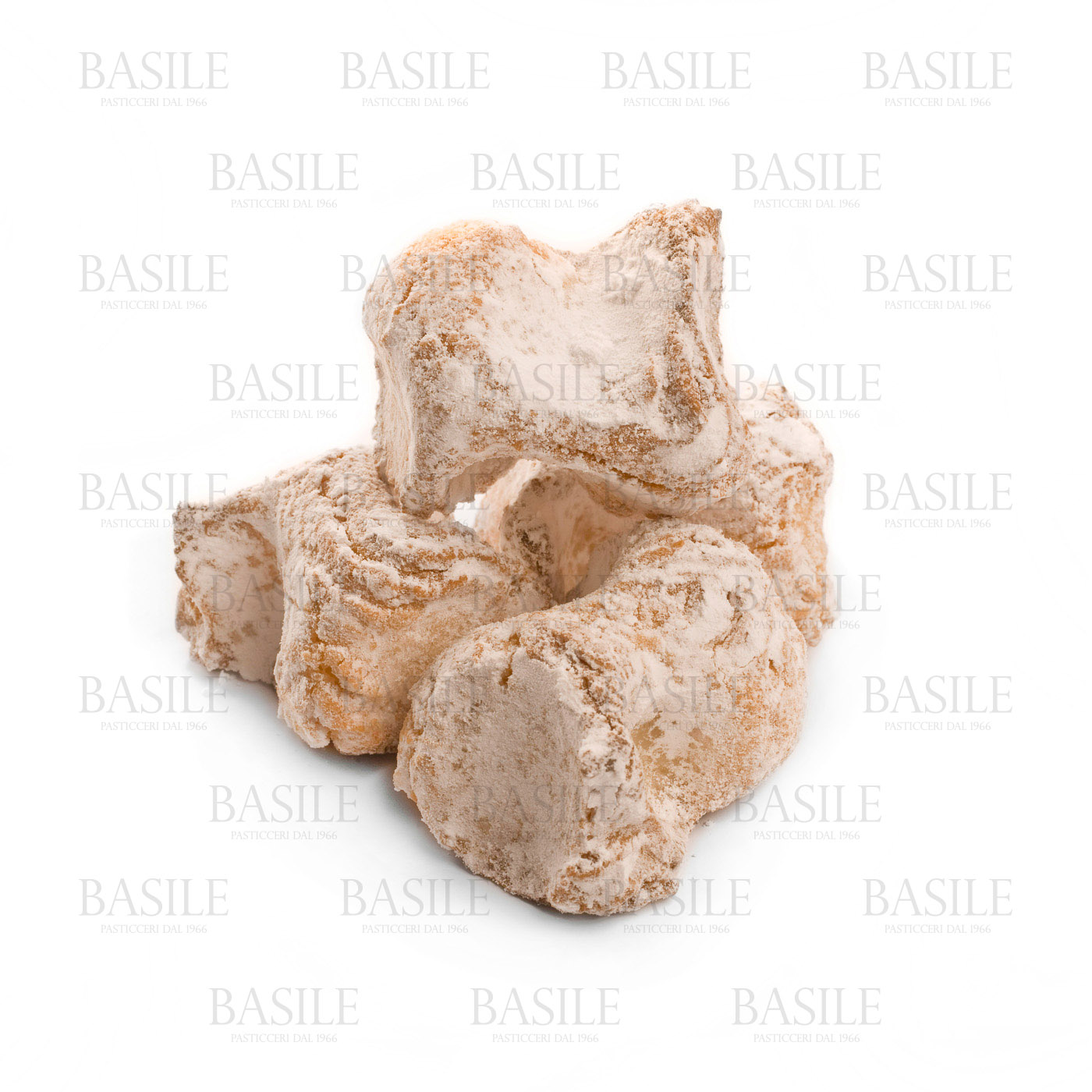 https://www.ragusanews.com//immagini_articoli/16-08-2015/1439711636-1-rientri-destate-i-biscotti-di-mandorla-in-valigia.jpg