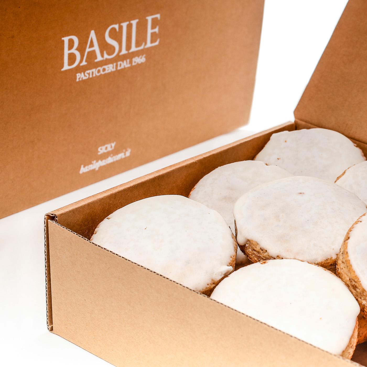 https://www.ragusanews.com//immagini_articoli/16-08-2015/1439711636-2-rientri-destate-i-biscotti-di-mandorla-in-valigia.jpg