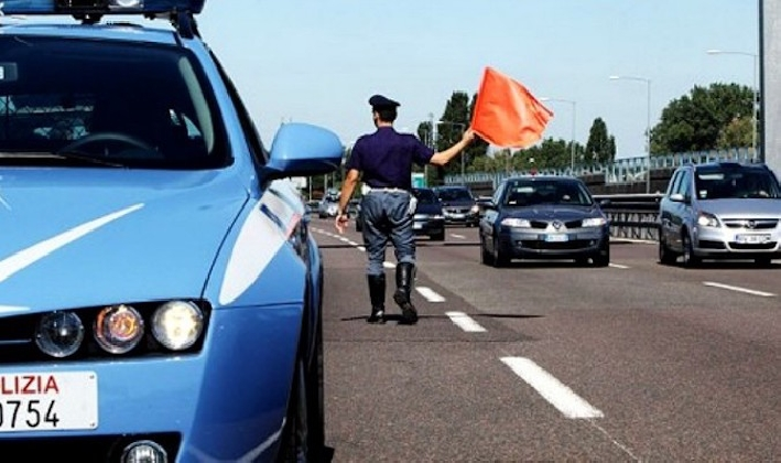 http://www.ragusanews.com//immagini_articoli/16-08-2016/travolto-e-ucciso-un-67enne-di-rosolini-sull-autostrada-per-siracusa-420.jpg