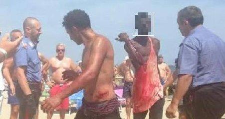 https://www.ragusanews.com//immagini_articoli/16-08-2018/catania-indiani-arrestati-aver-palpeggiato-ragazzine-240.jpg