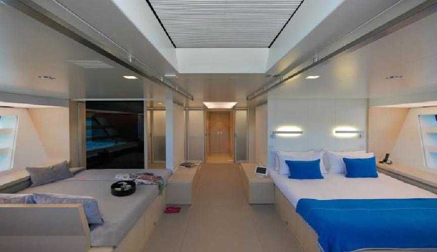 https://www.ragusanews.com//immagini_articoli/16-08-2020/1597595767-yacht-in-sicilia-il-better-place-a-vela-ed-ecosostenibile-1-500.jpg