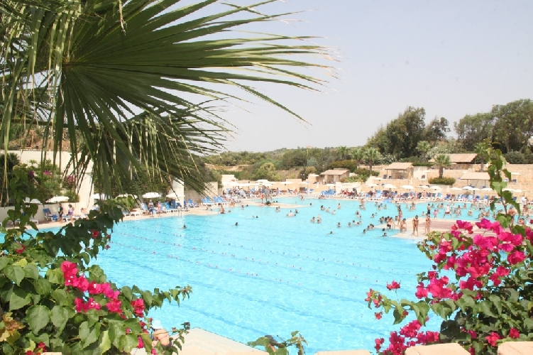 https://www.ragusanews.com//immagini_articoli/16-09-2011/il-vostro-evento-aziendale-in-spiaggia-al-club-med-di-kamarina-500.jpg