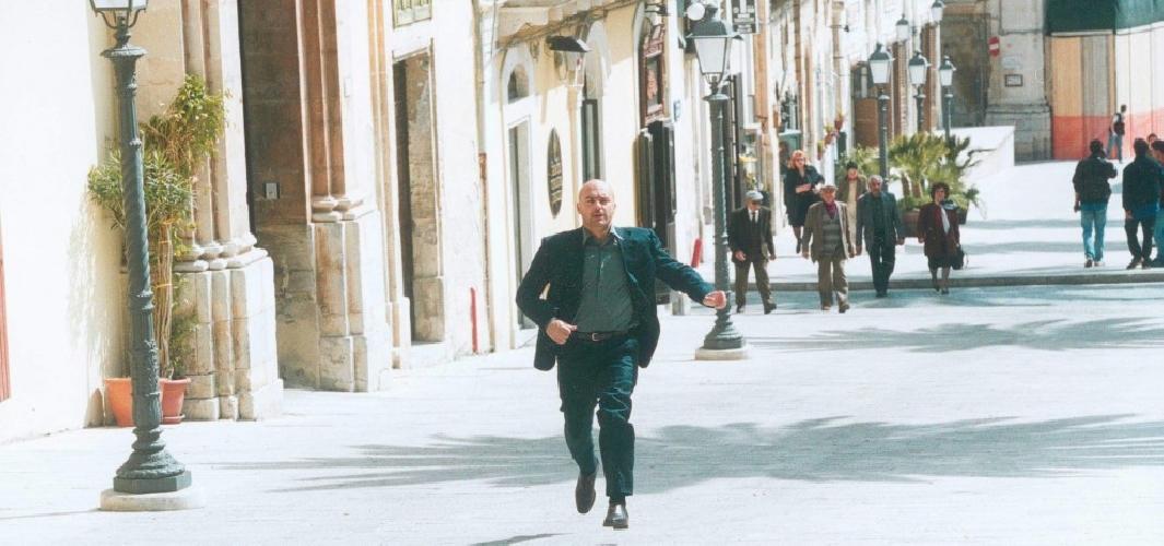 https://www.ragusanews.com//immagini_articoli/16-09-2014/il-commissario-montalbano-si-trasferisce-a-otranto-500.jpg