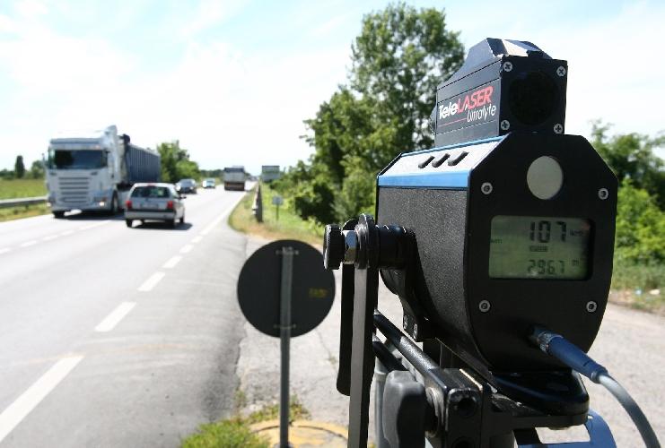 http://www.ragusanews.com//immagini_articoli/16-09-2014/le-strade-con-trappole-autovelox-a-ragusa-500.jpg