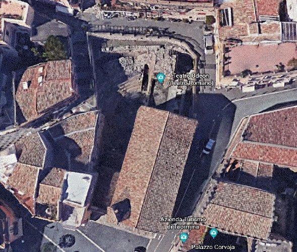 https://www.ragusanews.com//immagini_articoli/16-09-2019/1568645567-taormina-si-restaura-il-teatro-odeon-e-bellissimo-4-500.jpg